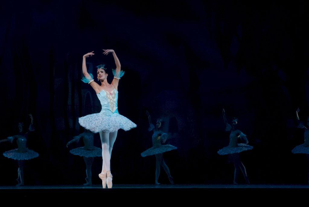 257058-o-que-voce-precisa-saber-sobre-o-ballet-russo
