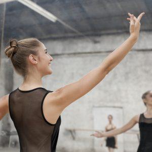 Entenda agora a correta posição dos braços no ballet clássico